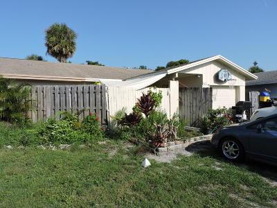 West Palm Beach Single Family Home For Sale: 8617 Satalite Terrace