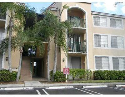 West Palm Beach Condo For Sale: 1749 Village Boulevard #106