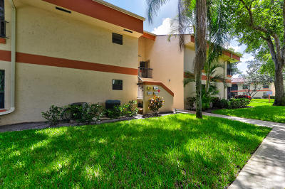Coconut Creek Condo For Sale: 4176 Carambola Circle S #2173