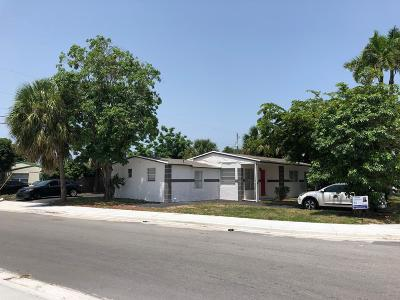 Single Family Home For Sale: 1160 W 26 Court