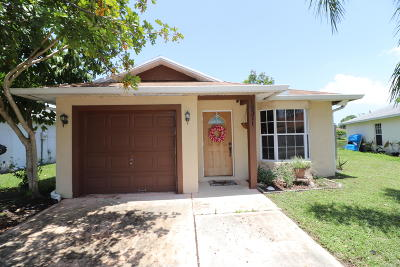Boynton Beach Single Family Home For Sale: 10371 Boynton Place Circle