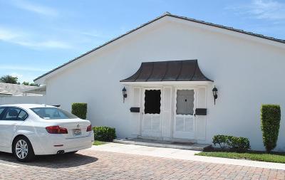 North Palm Beach Condo For Sale: 136 Yacht Club Drive #2
