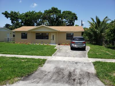West Palm Beach Single Family Home For Sale: 5935 Barbados Way W