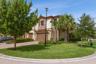 Coconut Creek Townhouse For Sale: 6979 Halton Park Lane