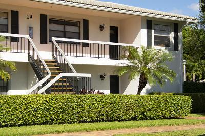 Boynton Beach Condo For Sale: 19 Stratford Drive #H