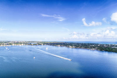 North Palm Beach Condo For Sale: 100 Lakeshore Drive #1154