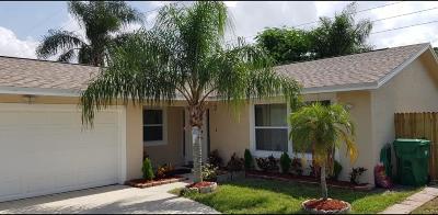 Riviera Beach Single Family Home For Sale: 207 Canterbury Drive W