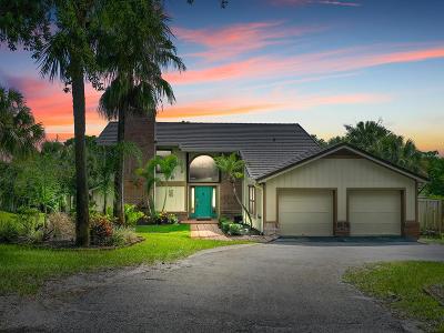 Jensen Beach Single Family Home For Sale: 3880 NE Sugarhill Avenue