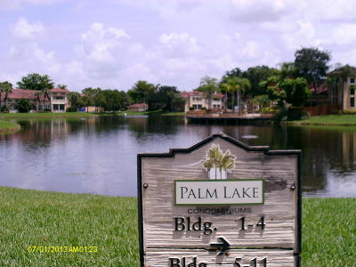 West Palm Beach Condo For Sale: 4877 Via Palm Lake Lakes #511