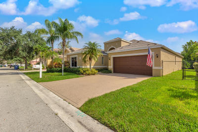 Coral Springs Single Family Home For Sale: 227 NW 117th Way