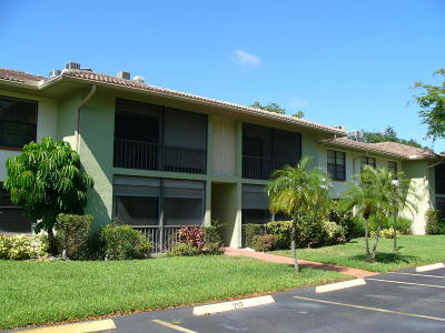 Boynton Beach Condo For Sale: 9965 Pineapple Tree Drive #107
