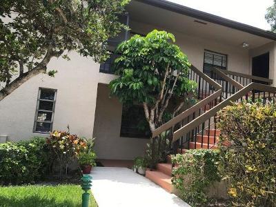 Condo For Sale: 8450 Casa Del Lago #I