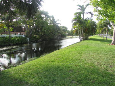 Deerfield Beach Single Family Home Contingent: 385 NW 36 Avenue