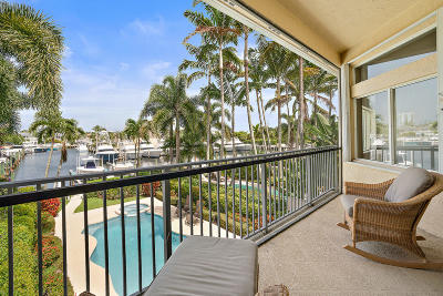 North Palm Beach Townhouse For Sale: 1436 Harbour Point Drive