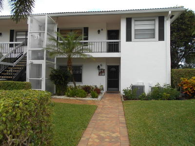 Boynton Beach Condo For Sale: 31 Stratford Lane #H