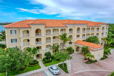 Fort Pierce Condo For Sale: 38 Harbour Isle Drive E #203