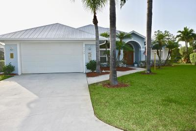 Palm City Single Family Home For Sale: 1122 SW Meadow Court