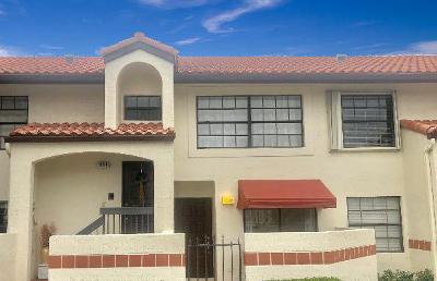 Deerfield Beach Condo For Sale: 307 Freedom Court #307