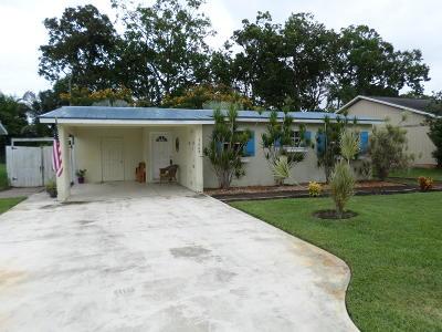 Stuart Single Family Home For Sale: 5669 SE Normandy Avenue