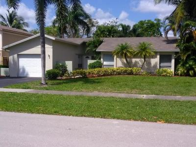 Deerfield Single Family Home For Sale: 339 NW 39 Way