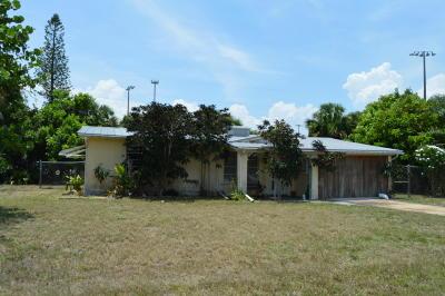 Jensen Beach Single Family Home Contingent: 2265 NE Arch Street