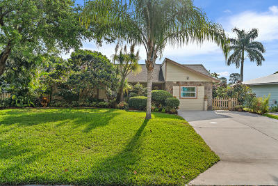 Stuart Single Family Home For Sale: 711 SE Hibiscus Avenue
