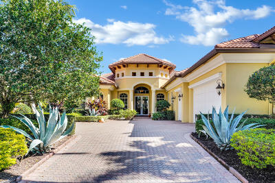 West Palm Beach Single Family Home For Sale: 7928 Cranes Pointe Way
