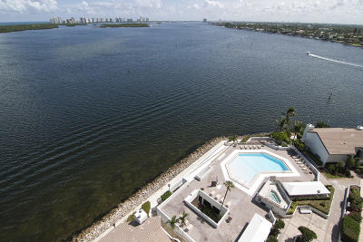 North Palm Beach Condo For Sale: 100 Lakeshore Drive #1253