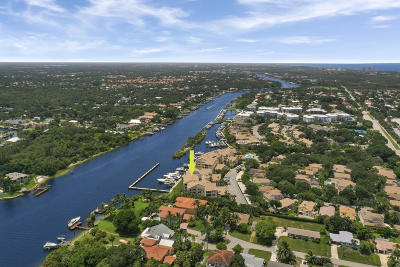 Juno Beach Condo For Sale: 913 Oak Harbour Drive #913