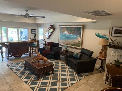 Hobe Sound Single Family Home For Sale: 8069 SE Camellia Drive