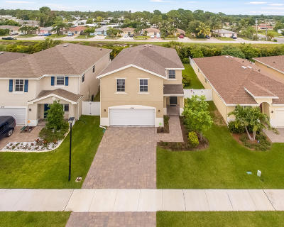 Single Family Home For Sale: 4029 Tomoka Drive