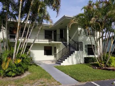 Palm Beach Gardens Condo For Sale: 701 Sabal Ridge #D