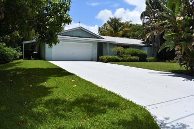 Sewalls Point Single Family Home Contingent: 17 S Ridgeview Road