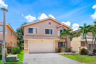 Boca Raton Single Family Home For Sale: 10687 Palm Spring Drive