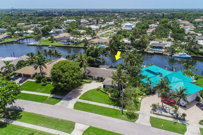 North Palm Beach Single Family Home For Sale: 1009 Country Club Drive