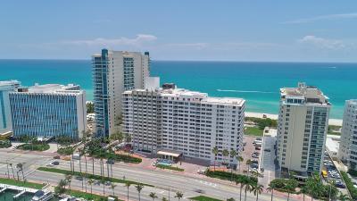 Miami-Dade County Condo For Sale: 5005 Collins Avenue #Ph-8