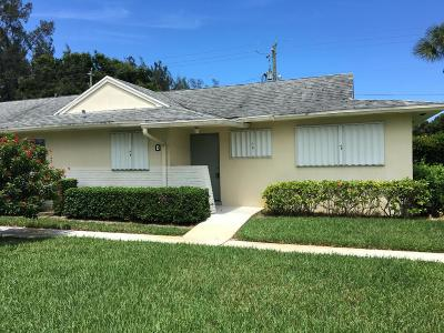 West Palm Beach Single Family Home For Sale: 4790 Cresthaven Boulevard #D