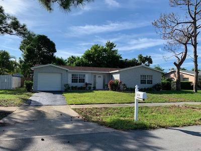 West Palm Beach Single Family Home For Sale: 218 Gale Place
