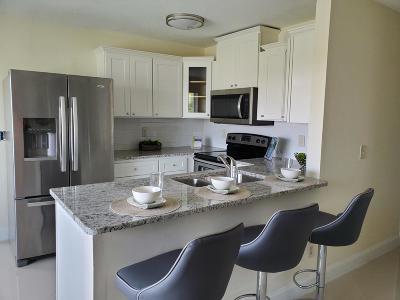 Jensen Beach Single Family Home For Sale: 102 Las Olas Drive