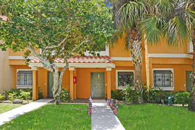 Coconut Creek Townhouse For Sale: 3700 Coral Tree Circle