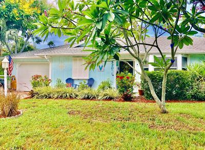 Jensen Beach Single Family Home For Sale: 520 NE Lima Vias