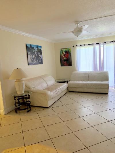 Deerfield Beach Condo For Sale: 1428 SE 4th Avenue #118