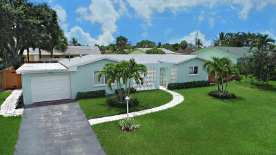 Delray Beach Single Family Home For Sale: 645 Jaeger Drive