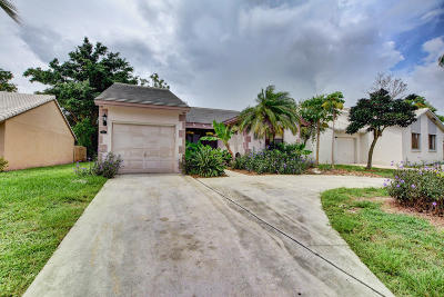 Lake Worth Single Family Home For Sale: 6036 Strawberry Lakes Circle