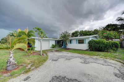 North Palm Beach Single Family Home For Sale: 1941 Pleasant Drive