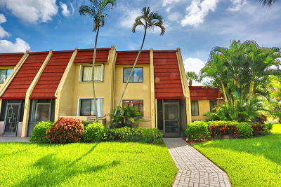 Lake Worth Townhouse For Sale: 4523 Luxemburg Court