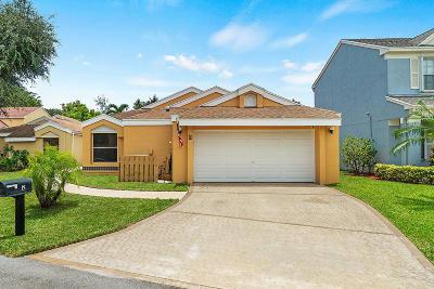Boynton Beach Single Family Home For Sale: 2 Swallow Drive