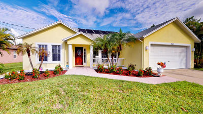 Port Saint Lucie Single Family Home For Sale: 2462 SW Valnera Street
