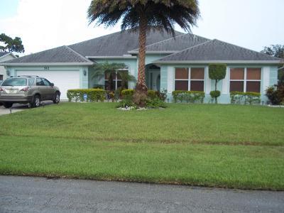 Port Saint Lucie Single Family Home For Sale: 512 SE Majestic Terrace