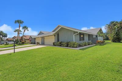 Hobe Sound Single Family Home Contingent: 12837 SE Pinehurst Court